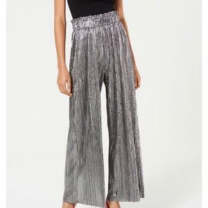 NWT Rachel Roy metallic pleated gaucho pants
